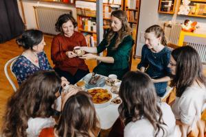 Könyvelőt, logisztikai ügyintézőt és irodavezetőt keres a Koinónia Kiadó